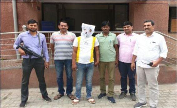 ऑटो चोर गिरफ्तार, चोरी के पाॅच टू-व्हीलर बरामद